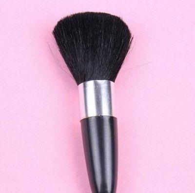 柔軟刷毛化妝刷圓柱行超密細毛腮紅刷時尚美容化妝工具 29元