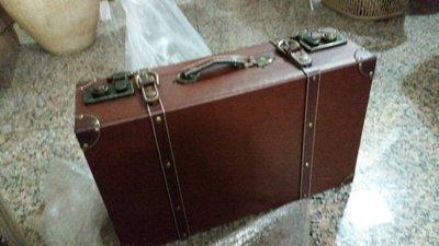 編號M143-----復古手提木質皮箱