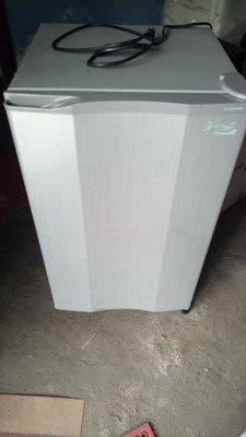大同冰箱中小型100公升很新但不會冷需維修