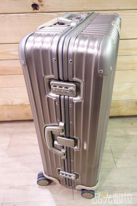 【品光數位】RIMOWA 920.70.03 Topas 中型四輪 鈦金 行李箱#105635