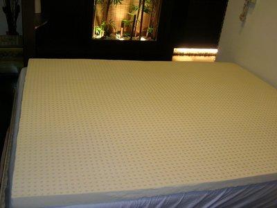 免 .工廠直營~~10年 ~ 100%百分百天然乳膠墊.雙人5尺乳膠床墊 換洗套 贈緹花保護布套.可攜式收納提袋