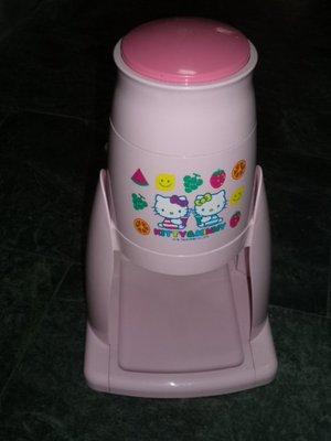 HELLO KITTY 電動刨冰機..........全新未使用