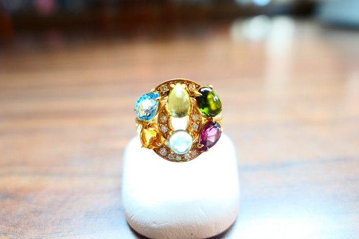 [吉宏精品交流中心]BVLGARI 寶格麗 ASTRALE 18黃K金 彩寶 戒指