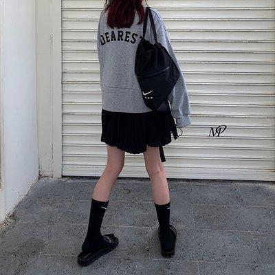 VSVSHOP♥實品照 韓風暗黑後背字母印花寬鬆短款上衣 衛衣 (黑/灰) P99301