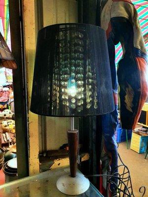 {Ruminant慕名古物} 黑絲垂簾木把玻璃綴飾藍光老檯燈