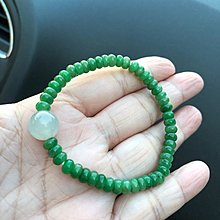 浩瀚無間-大顆果凍珠搭辣綠盤珠手串