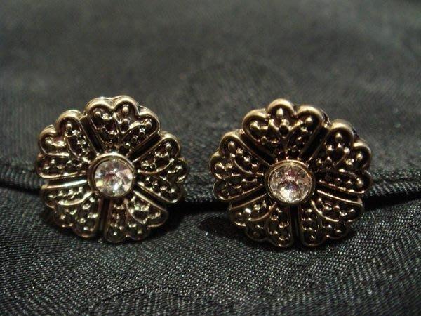 大降價!美國帶回,全新從未戴過 MONET 莫內 復古小金花朵造型穿式耳環,低價起標無底價!