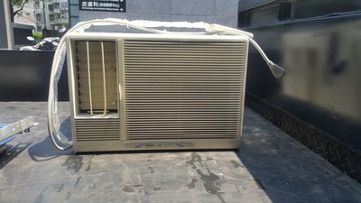 三洋1噸窗型冷氣七成新5000含基本安裝(110v)