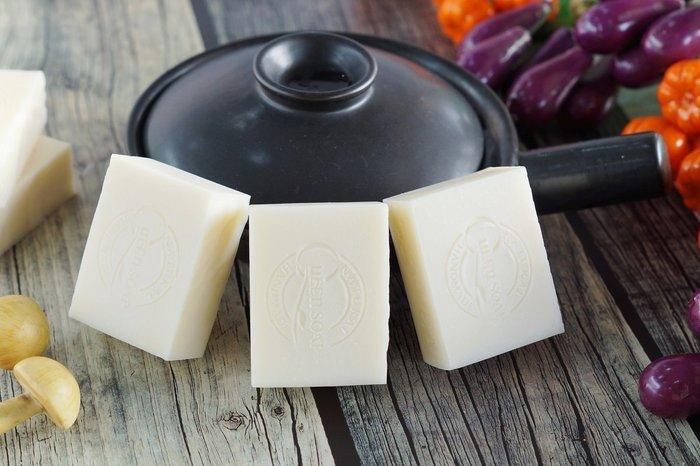 女王天然手工皂「茶樹抗菌-衣物手洗皂」六入促銷組!      家事皂 萬用皂
