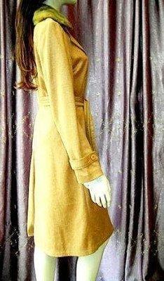 ※專櫃真品※《Blumarine》特殊磨皺駝色安哥拉毛領繫帶大衣