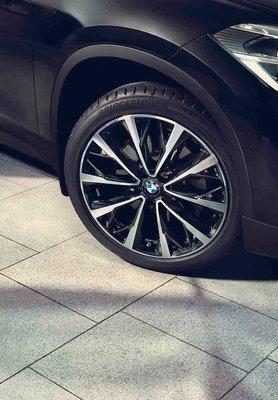 ✽顯閣商行✽BMW德國原廠 F48 X1 573M 19吋 鋁圈含胎組 輪圈配胎 LCI