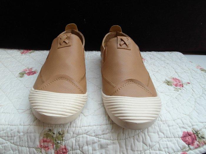 浪漫滿屋 女鞋系列*YOU&ME休閒鞋 .帆布鞋.平底鞋.各類鞋款......43