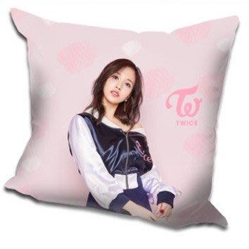 現貨!!Mina 名井南 個人 TWICE 抱枕 靠墊 枕頭,40x40cm,緞紋布,色彩鮮豔,印製精美。A款