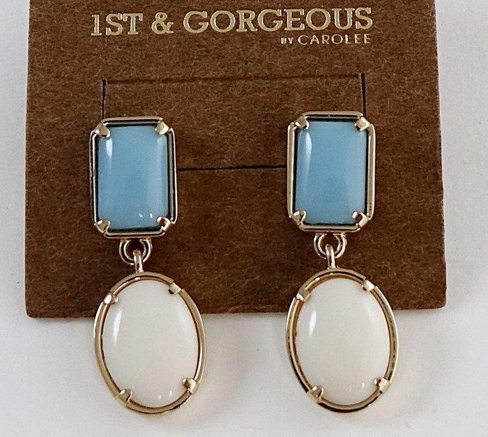 全新美國帶回 CAROLEE 1ST & GORGEOUS 藍白雙色年輕款穿式耳環,附原廠防塵袋與禮盒!無底價!免運費!