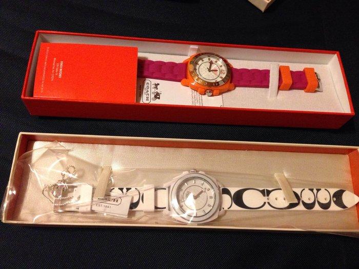 母親節特惠, ~降價囉~~~COACH 美國全新經典 C logo 手錶, 黑白, 橘紅兩款~出清價 Watch