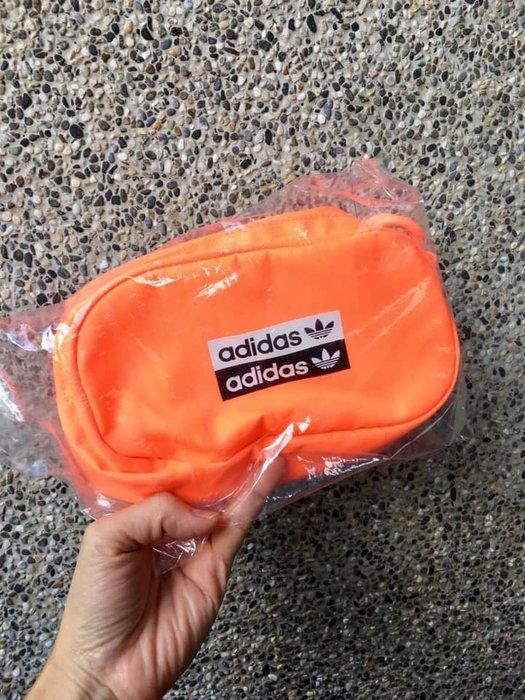 日本進口~ adidas Originals 街頭斜背包 腰包(現貨1)