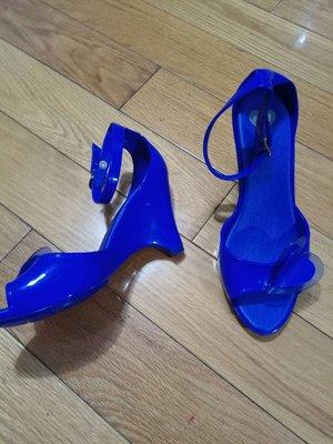 巴西橡膠鞋 Mel Shoes by Melissa 楔型底愛心果凍鞋 寶藍色可當雨鞋穿很方便