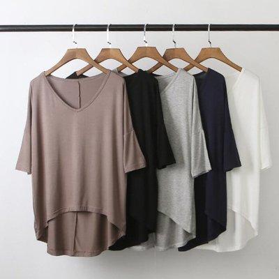 短袖T恤 莫代爾蝙蝠袖寬鬆舒適感V領上衣 艾爾莎【TAE8398】