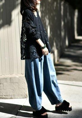 設計款V領針織拼接蕾絲縷空時尚個性外套罩衫(老銀屋)