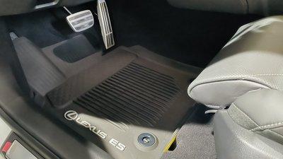 車庫小舖 LEXUS 北美原廠 ES200 ES250 ES300H 防水 防滑 腳踏墊 腳踏板 3D款