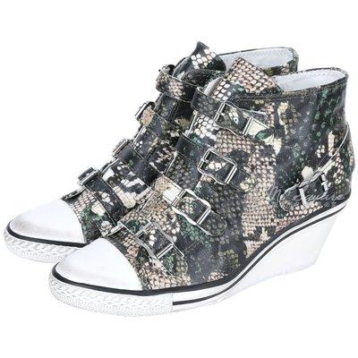 米蘭廣場 ASH GENIAL 蛇紋釦帶楔型休閒鞋(黑/綠) 1520723-99
