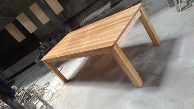 戀戀小木屋 原木大餐桌   原木色餐桌