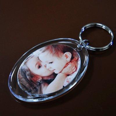 橢圓形 照片鑰匙圈 相片 個性化商品 婚禮小物 吊牌 名牌 胸章 情人節 聖誕節 壓克力 客製鑰匙圈 照片 畢業紀念 き