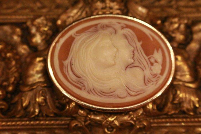 【家與收藏】特價稀有珍藏歐洲古典法國優雅細緻CAMEO鑲嵌浪漫女神浮雕胸針