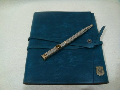 收藏正規商品Pierre Cardin皮爾卡登鋼珠筆+贈全新INNATE筆記本+套 禮物出清價$100起(5日標)
