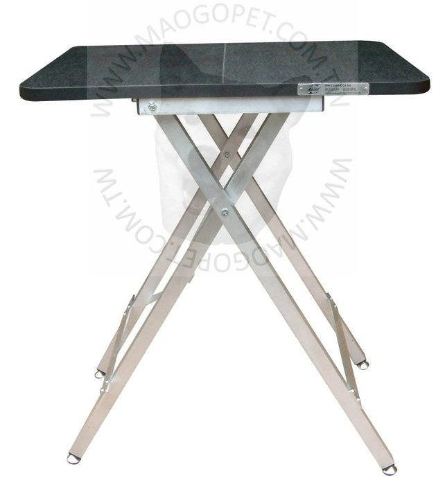 Kim Laube 摺收便攜式寵物美容桌 旅行犬貓美容工作桌 剪毛台 M號《60X46X78公分》每張4,000元
