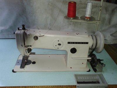 【 縫紉機/針車 】日本製 SEIKO  精工牌 單針《大梭》上下送 皮革、帆布、沙發工業專用車