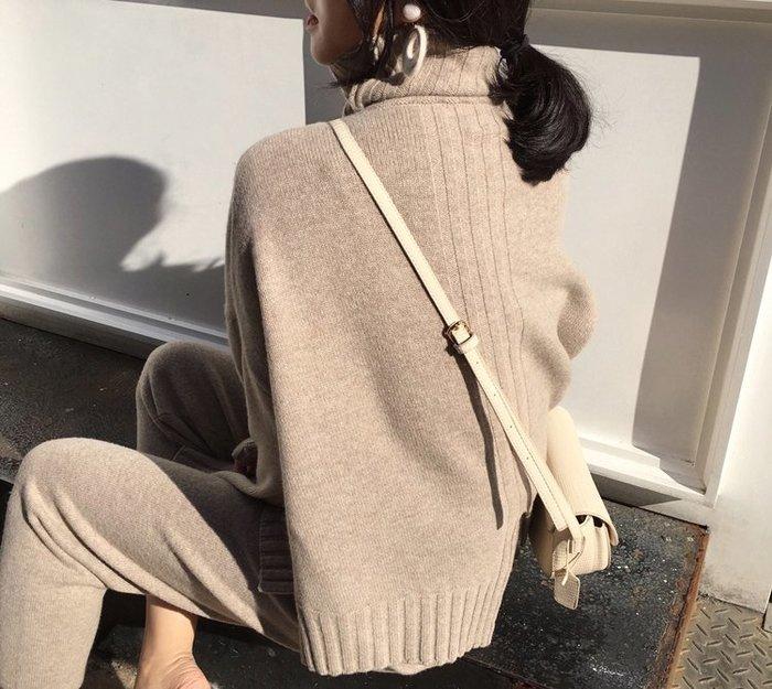 ACHIC┼歐美英倫100%好感度百搭高領毛衣 羊毛針織 坑條裝飾(可另搭套裝)~燕麥色,淺駝,黑色
