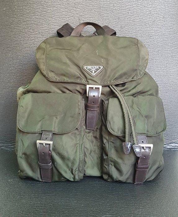 PRADA  三角鐵牌  後背包 , 正品保證