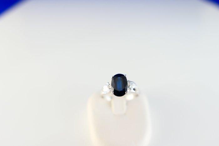[吉宏精品交流中心]1.85克拉 天然藍寶石 白k金 造型 戒指