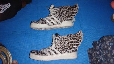 ~保證真品蠻優的 Adidas x Jeremy Scott豹紋翅膀運動鞋款US7號~便宜起標底價標多少賣多少