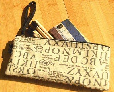 【玫瑰物語】辦公室文具業務用品棉麻字母圖案防水拉鍵袋小文件袋9*21.5CM鉛筆盒文具收納置物盒化妝包美妝盒置物袋彩妝袋