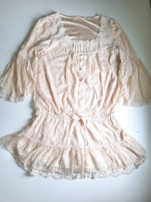 日本日系Snidel米白色網紗蕾絲荷葉邊花苞袖五分袖雪紡洋裝蝴蝶結綁帶雪紡紗裙連身裙39 1元起標JILL STUART