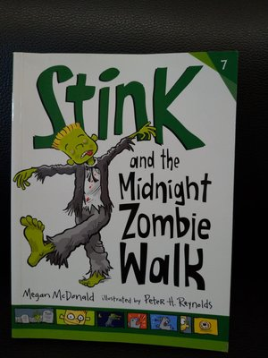 Stink and the Midnight Zombie Walk (平裝橋樑書)****