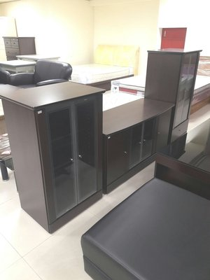 新竹二手家具買賣來來-全新 電視櫃 酒櫃 竹北二手 收購 實木 餐桌椅,沙發,衣櫃,書櫃,茶几,餐櫃,冰箱,洗衣機,電器