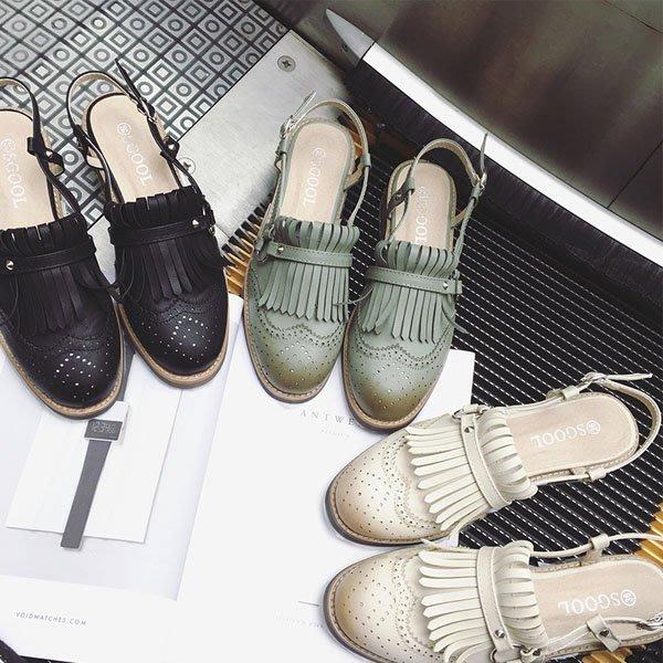 5Cgo【鴿樓】會員有優惠 529234207519 春夏季英倫複古低跟平底流蘇後空涼鞋女平跟皮帶扣擦色布洛克女鞋