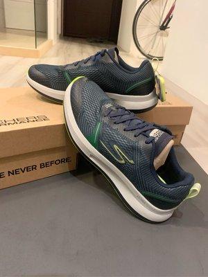 { SKECHERS } air cooled GO RUN PULSE - SPECTER慢跑鞋 男鞋220022NVLM 尺寸9.5