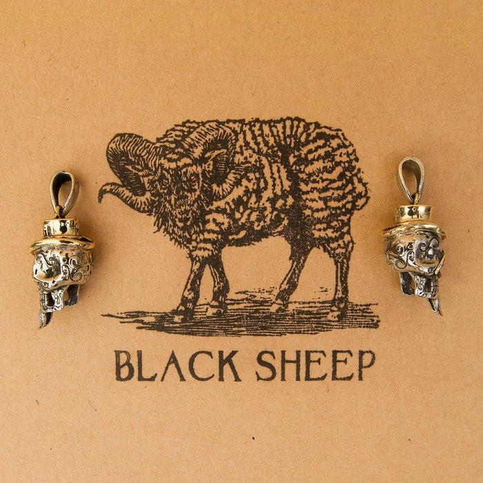 黑羊選物 紳士骷髏 鑰匙圈吊飾 做工精細 雙色配色 尺寸精緻 黃銅鑰匙圈 潮流 復古小物 老味 養牛 重機
