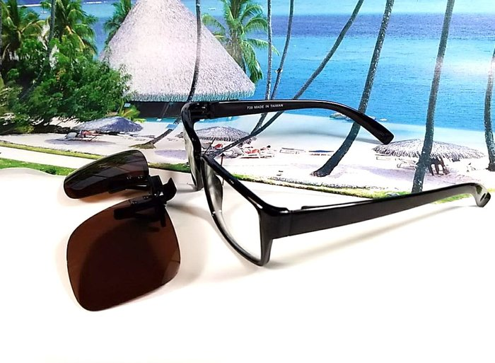 天王星精品 偏光太陽眼鏡夾片 大型方款 45MM 掛式太陽眼鏡 輕巧 偏光夾片/ 夾式太陽眼鏡 今夏必備 開車 休閒必備