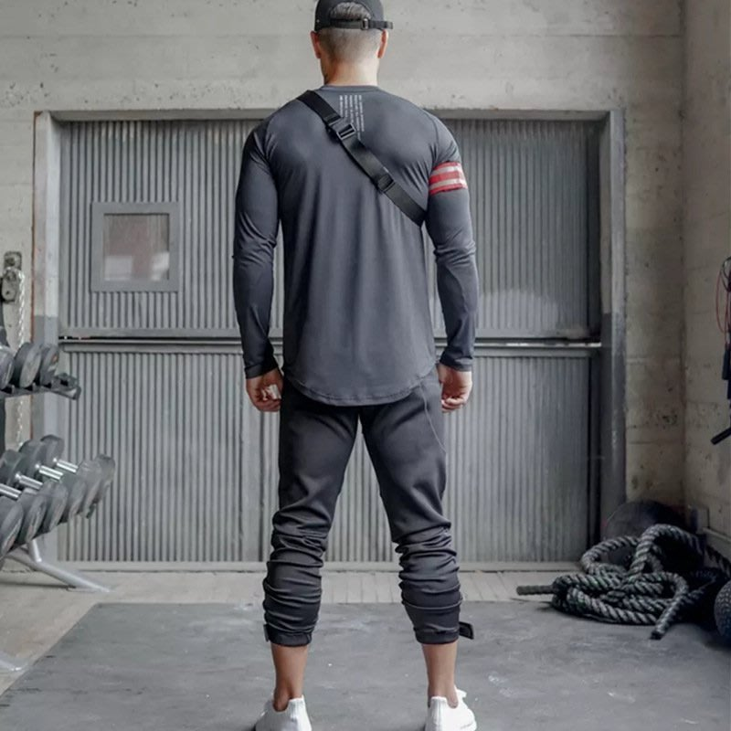 【E式】歐美健身服 潮款肌肉兄弟健身長袖速干彈力透氣圓領T恤打底衫男跑步運動上衣%*
