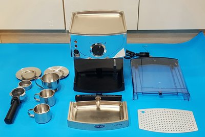 EUPA TSK 1817  幫浦式義大利高壓蒸氣電咖啡壺。蒸氣噴嘴可打奶泡、暖杯置杯空間、分離式蓄水盤、分離式透明水...