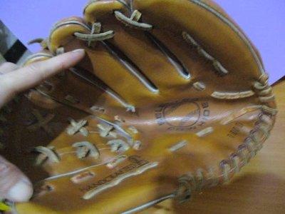 【運動用品】二手 COWHIDE SELECTED 1000 牛皮棒球手套 11 投手手套 (圖3小有瑕疵 )