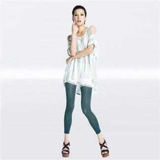7-net 隋棠代言 極塑孅腿塑身九分褲(S號 二件 原野綠和魔力紅各一)(特價99元)