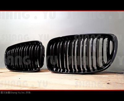 BMW E81 E82 E87 E88 亮光黑 水箱罩 空力套件 120 130 135 1M