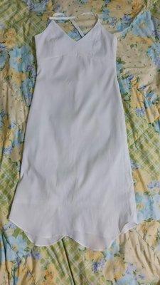 (搬家大出清)專櫃品牌,白色無袖彈性休閒渡假小洋裝。波浪不規則裙擺,後頸繫帶長拉鍊,彈性佳,有內裡,A 字型裙擺,約S碼 Msgracy paul 川保日本
