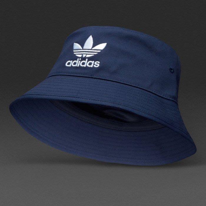 【吉米.TW】現貨 ADIDAS ORIGINALS 藍色 愛迪達 復古運動 三葉草 漁夫帽 男女 ED9384